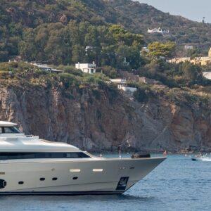 A yachting getaway in the Aeolian Islands