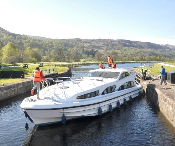 Picture - Taking a Le Boat cruiser on the Caledonian Canal, Scotland